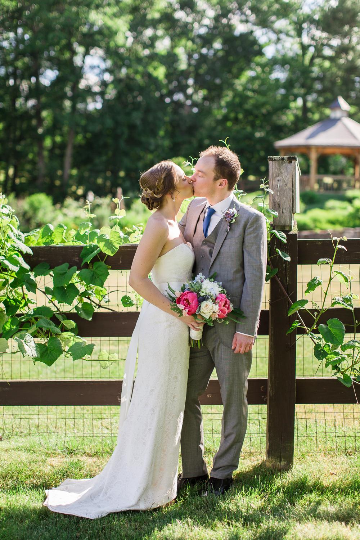zukas-hilltop-barn-wedding-photography-51