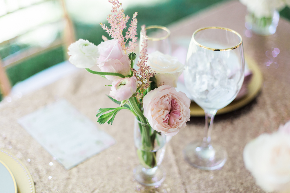 elm-bank-garden-wedding-table-flowers