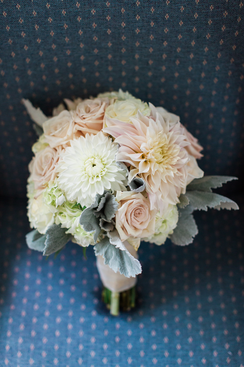 newport-wedding-flower-bouquet
