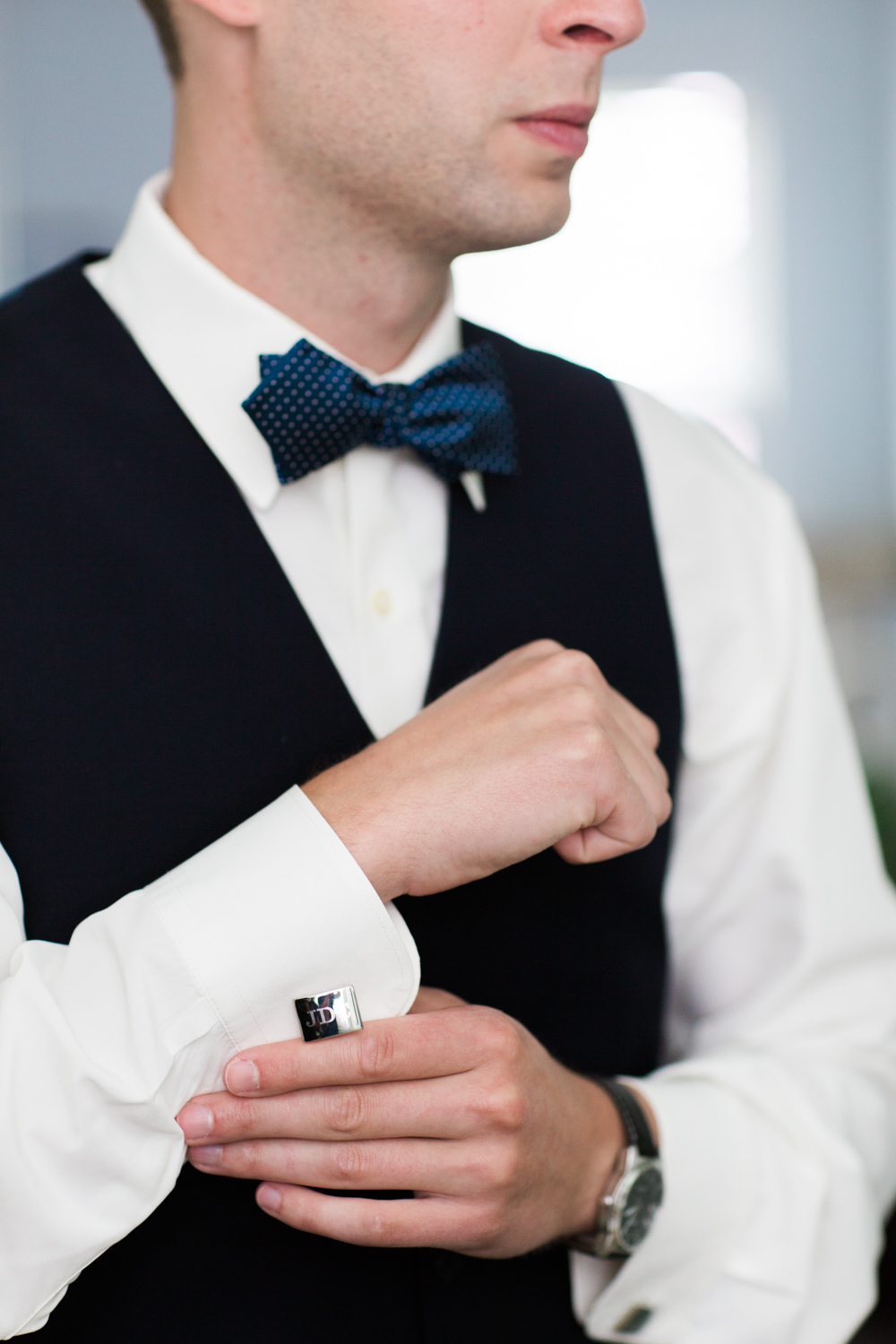 newport-wedding-suit-cuff-links