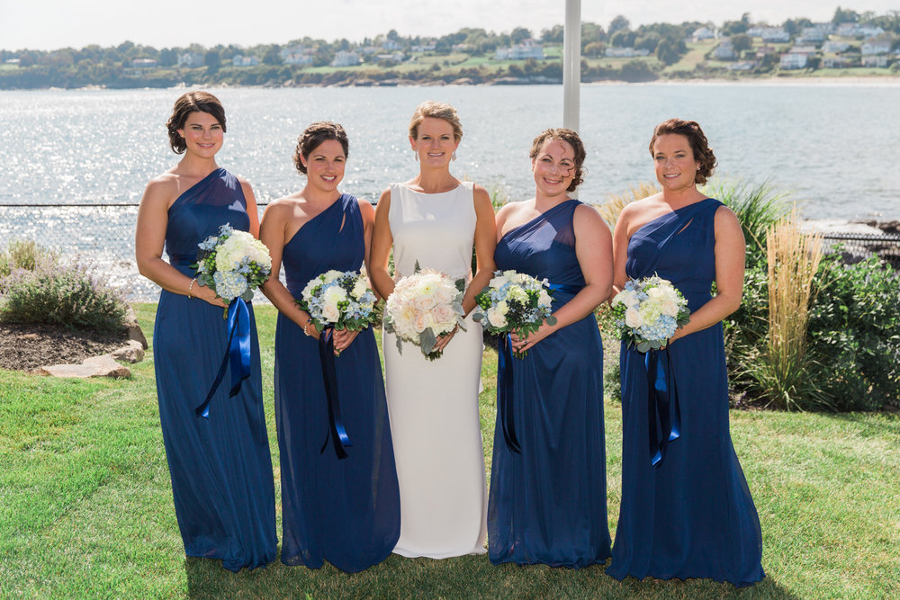 newport-wedding-bridesmaids