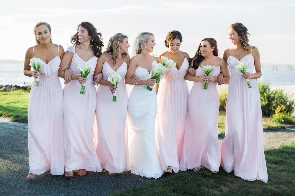 hyatt-regency-goat-island-wedding-photos-bridesmaids