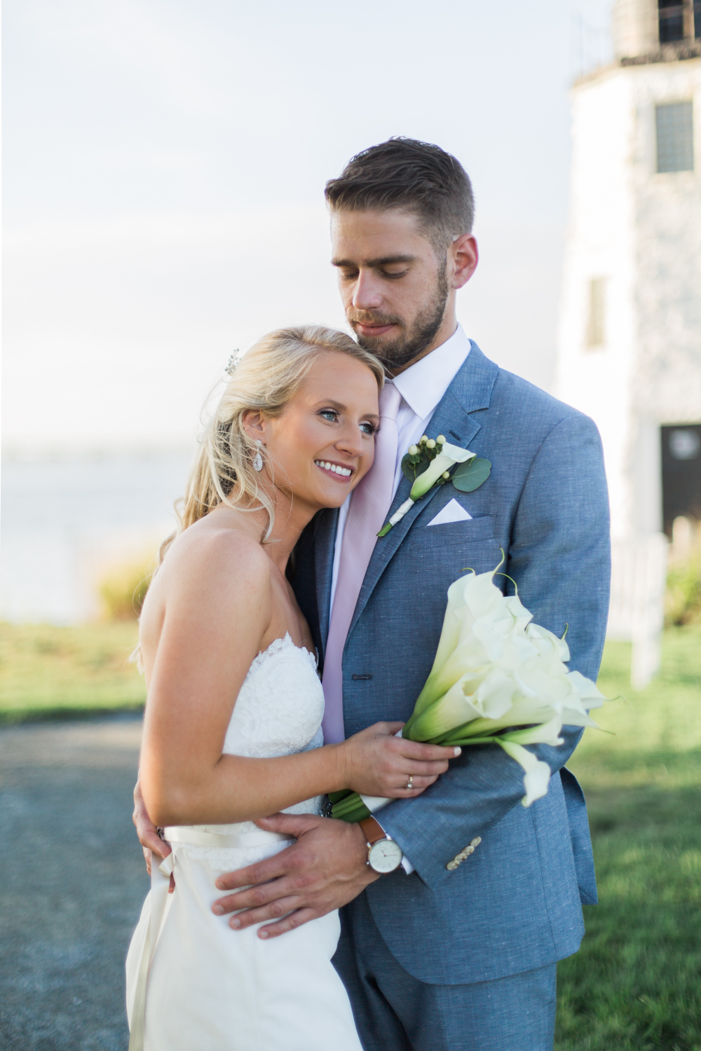 hyatt-regency-goat-island-wedding-photos-new-harbor-lighthouse
