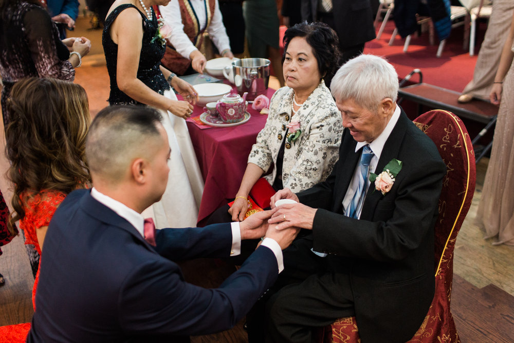 china-pearl-quincy-wedding-photography-tea-ceremony