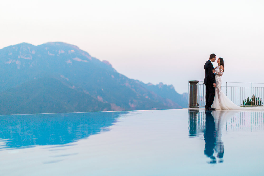 ravello-wedding-belmond-hotel-caruso-infinity-pool-portrait-photography