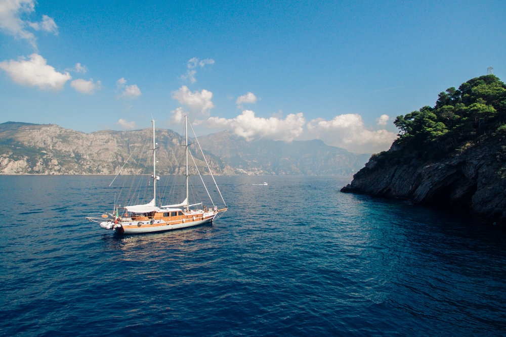 amalfi-coast-sailboat-wedding