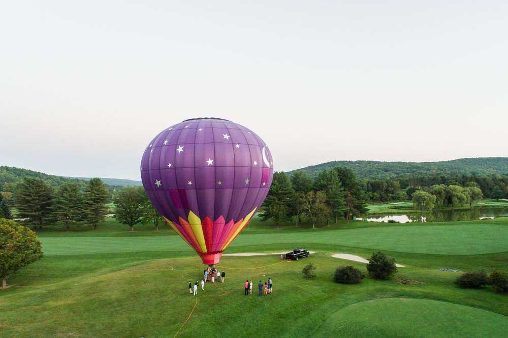balloon-festival-quechee-club-vermont-wedding