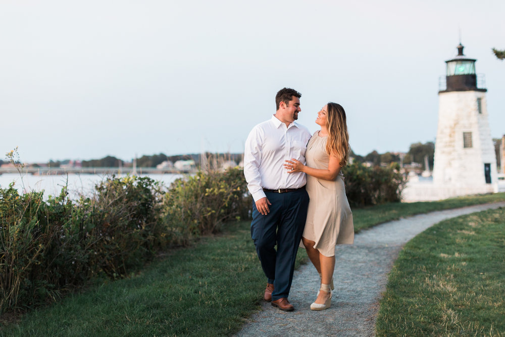 newport cliff walk engagement session photos