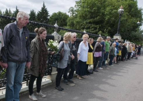 Campaigners want barriers on 'suicide bridge'.