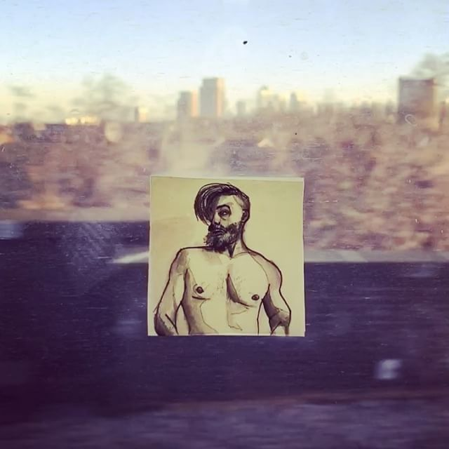 Wow! It's clearly #nakedfriday I found this #selfie of @angelpardo.me on my commute today. Draw me like one of those French girls 🙃