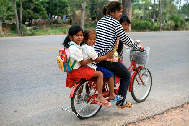 Family vehicle (Cambodia, between Siem Reap and Phnom Penh)