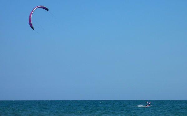 Kitesurfing alone