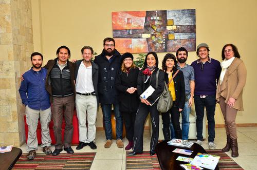 Parte del equipo organizador y los invitados. Fotografía: Samy Akiki