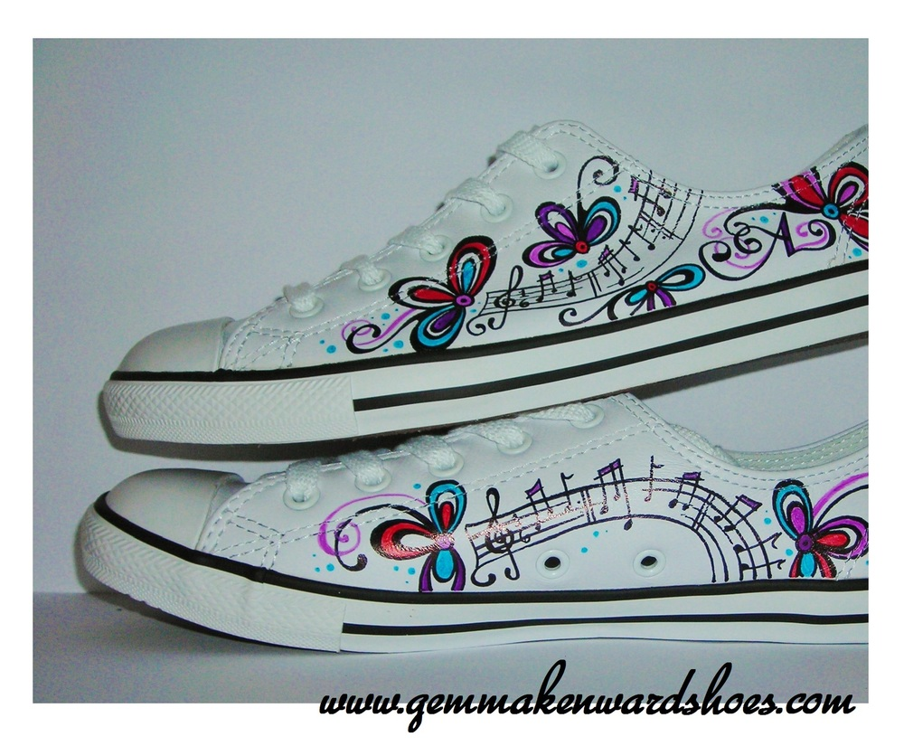 Hand Painted Converse for Christmas Gift Ideas