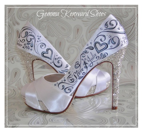 dd64ee37b108 Because they are right up my street! The scroll and embellishments you see  on the shoes come so natural to me I could paint them in my sleep.