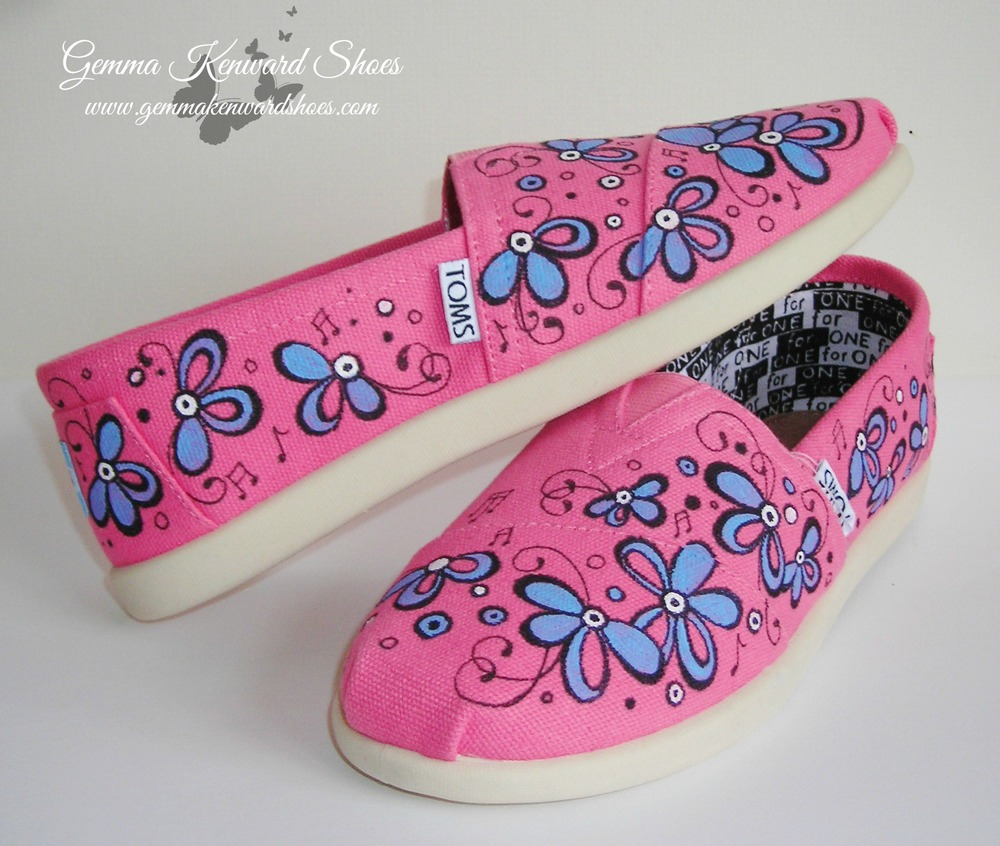 The Vamps Toms shoes with musical notes.JPG