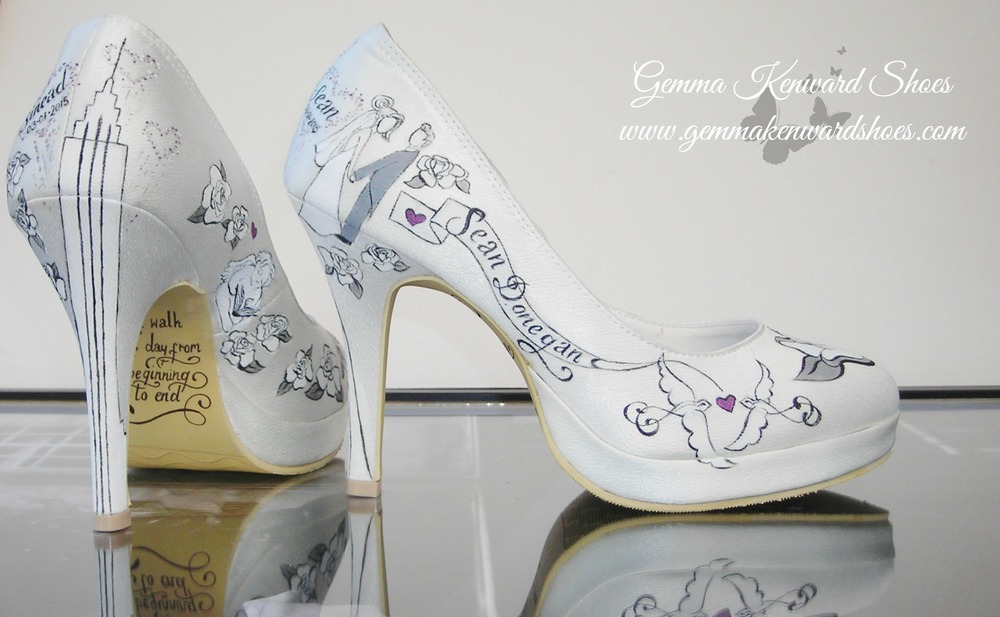 Personalied brides shoes with grey and silver illustrations