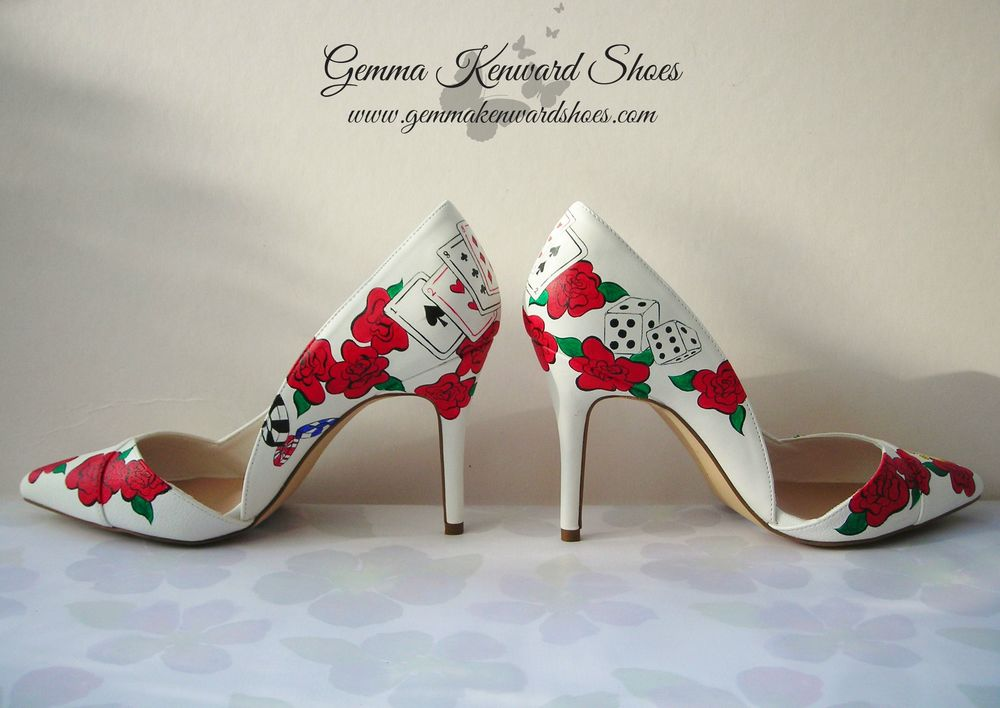 Red Hand Painted Wedding Shoes with dice and playing cards. Vegas baby! Yeah!