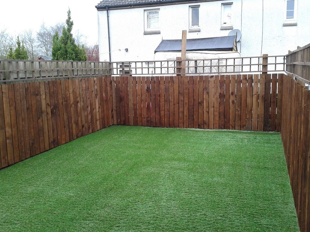Fencing west lothian garden fencing west lothian for Garden decking fencing