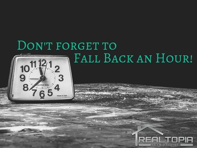 Who's looking forward to an extra hour?? 🙋🏼‍♀️🙋🏻‍♂️ . . #time #clock #fall #realestate #realtor #agent #client #weekend #vibes #chicago #realtopia #yorkteamhomes #happy #sleep #smile #morning #morningmotivation #hour