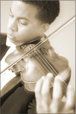 Kyle Lombard, violin