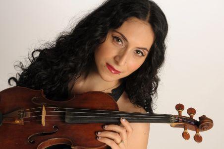 Elizabeth Ramos, violin