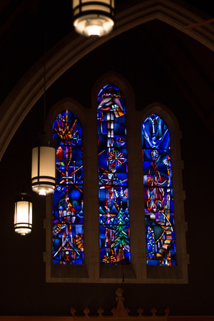 THE CHAPEL VENUE OUR HOME VENUE -T he Chapel Venue is an intimate, relaxed space. Centrally located across from Forest Park, it is nestled behind Memorial Presbyterian Church.