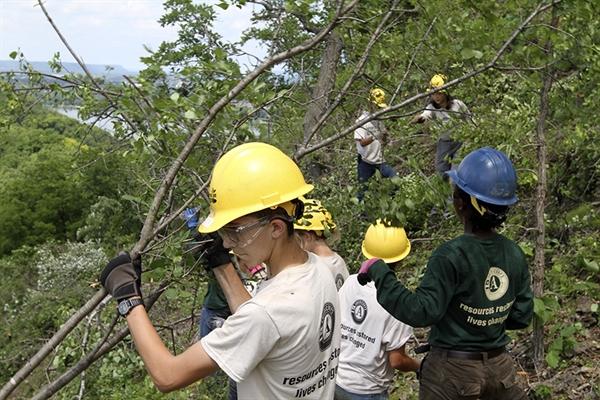 Youth Crew at Winona Sugar Bluffs. Picture via:  Winona Post