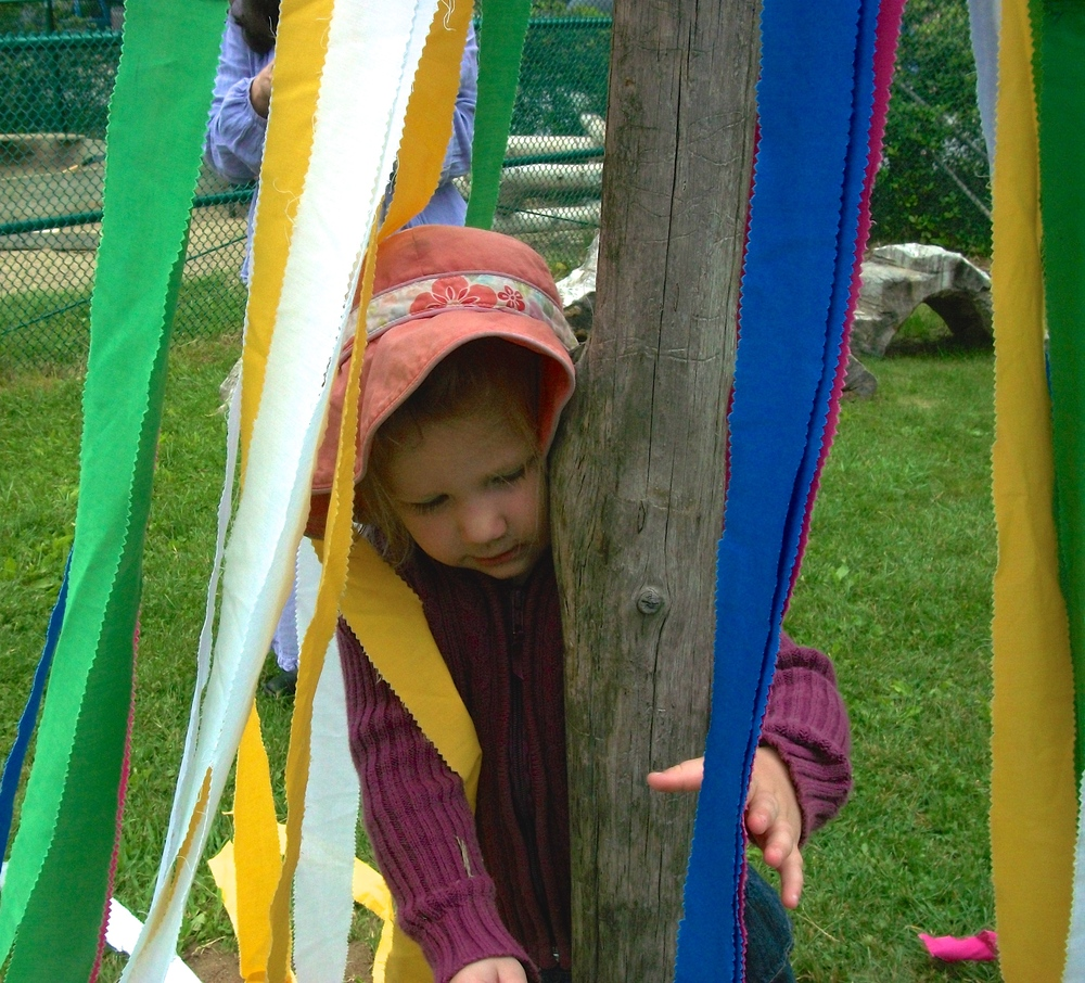 Maypole child 100_0765 -v2.JPG