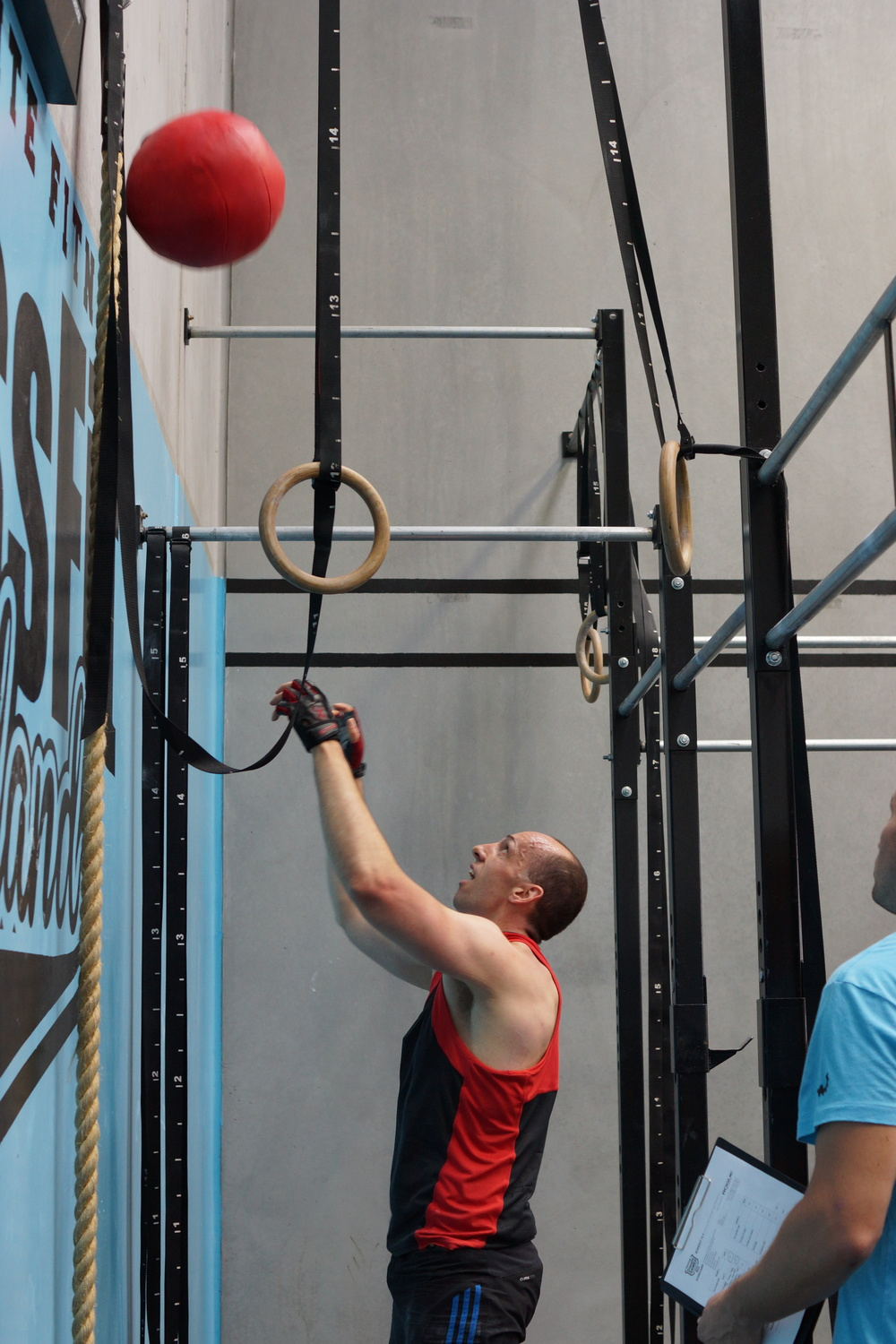Above: Matt showing how the wall ball is done on OPEN WOD 14.4 :)