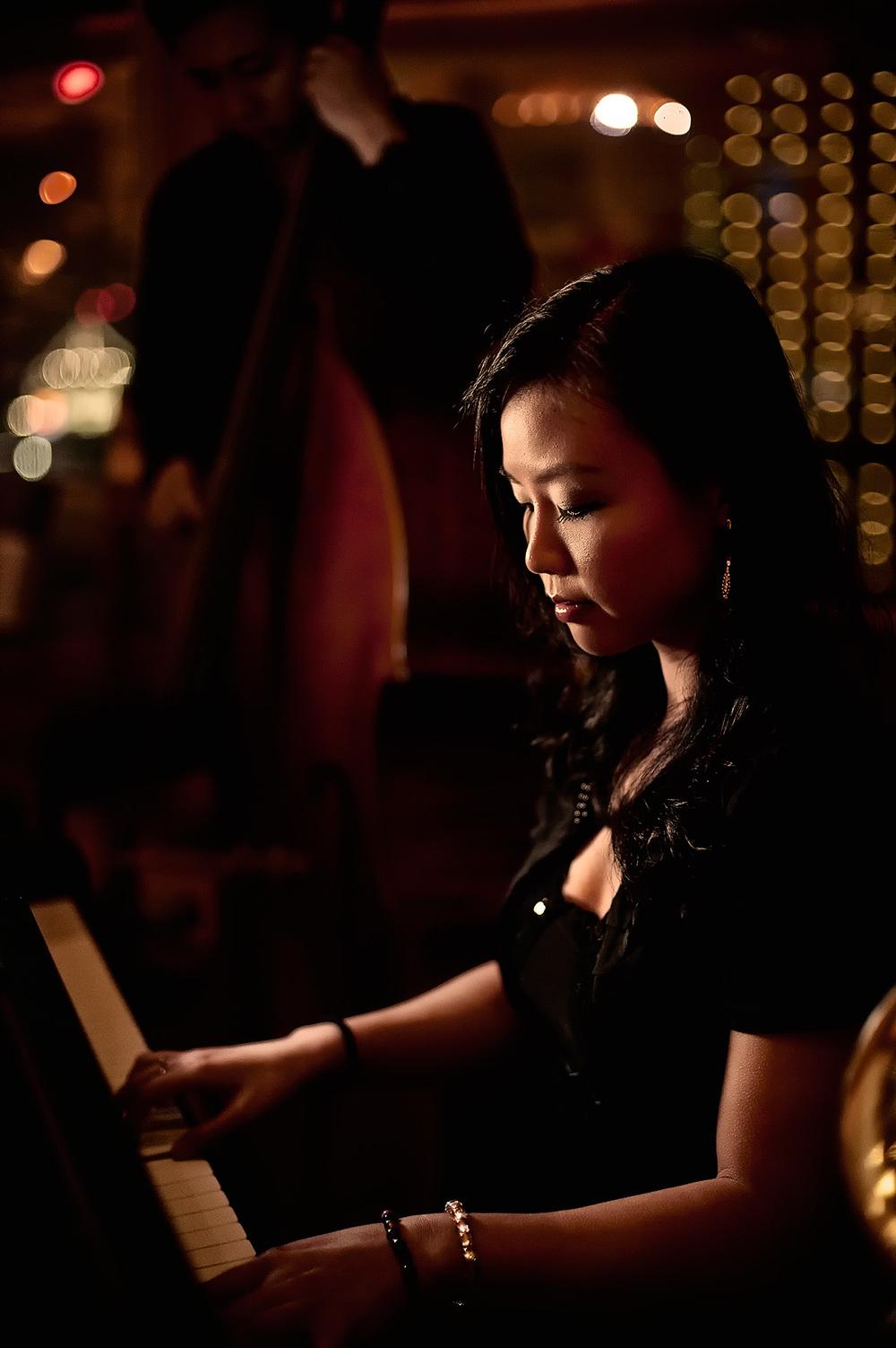 20101116-195240_Guangzhou pianist_web.jpg