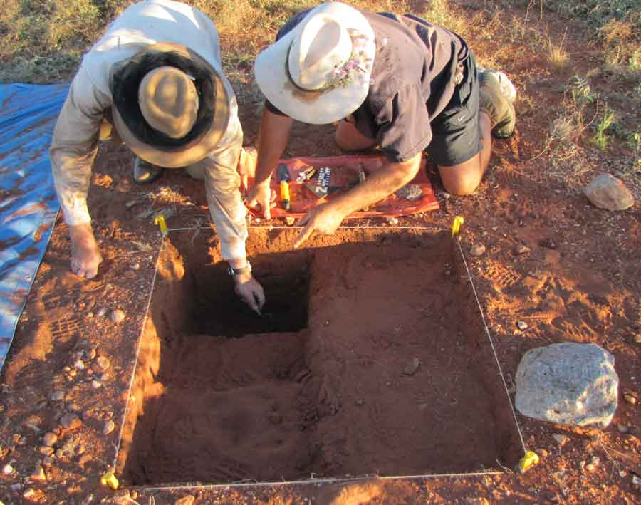 Dr Mike Smith and Andrew Harper examine the findings from a survey dig, 2010.