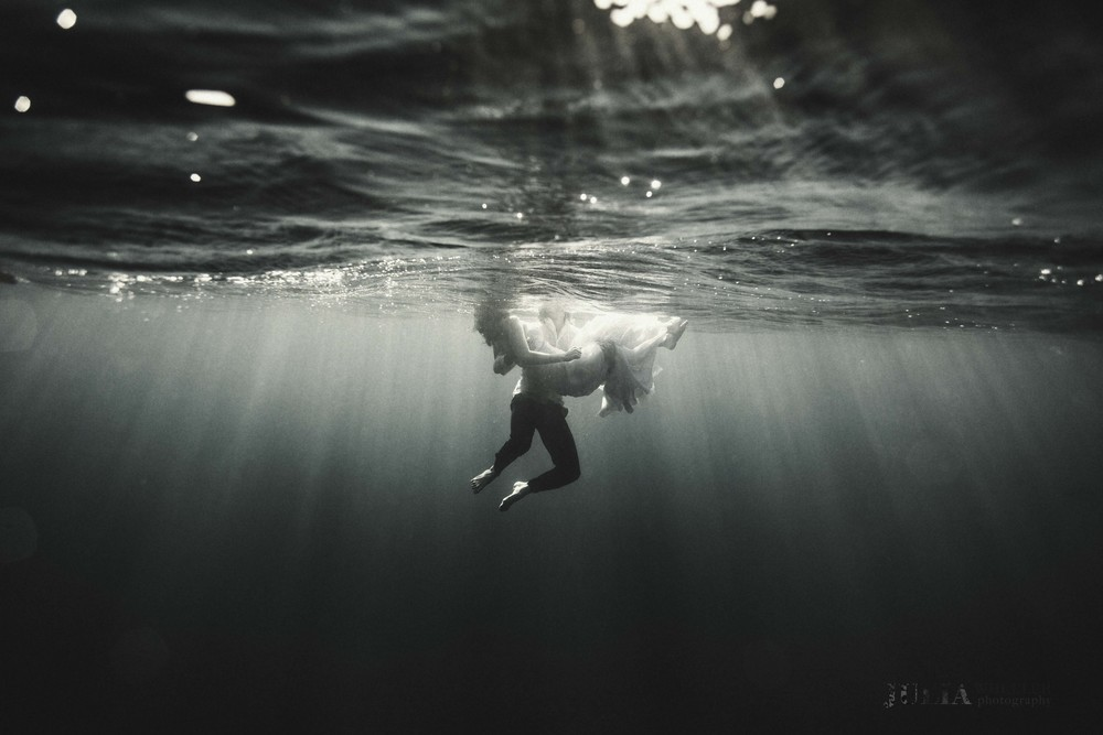 underwater wedding photography, julia wheeler photography, julia wheeler, underwater, love, photographer, sydney photographer