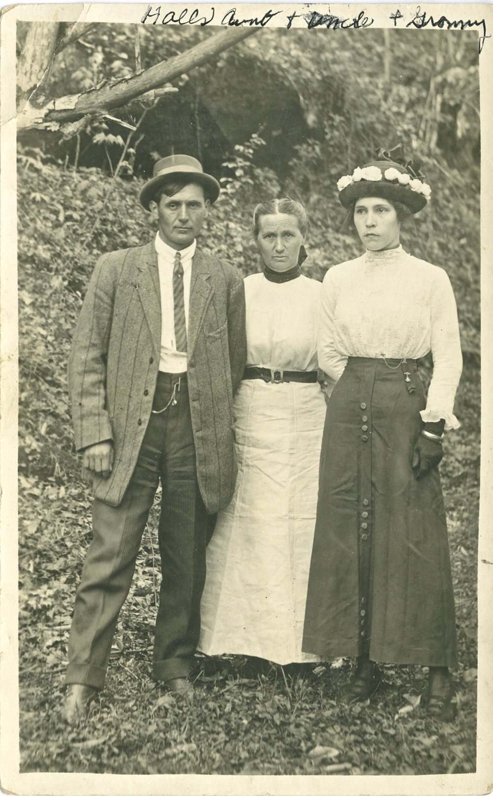 Relatives of some description dressed to the nines (remember this is way out the way in rural Appalachia)
