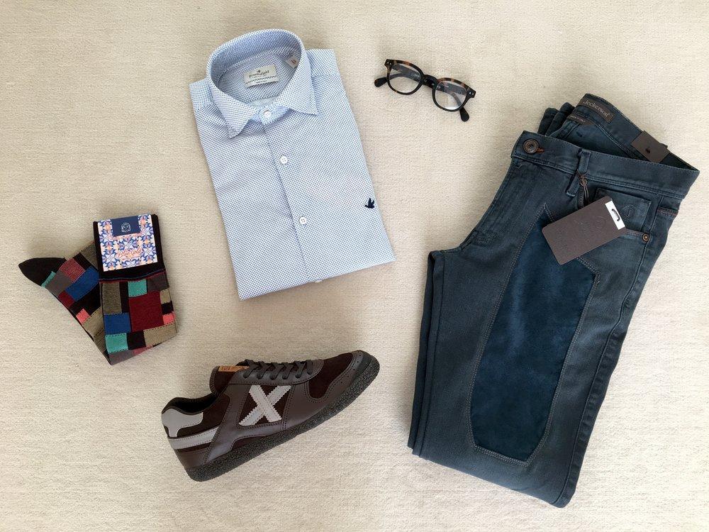 camicia BROOKSFIELD + pantaloni JECKERSON + occhiali da vista IZIPIZI + calze BLUE & GOLD + sneakers MUNICH