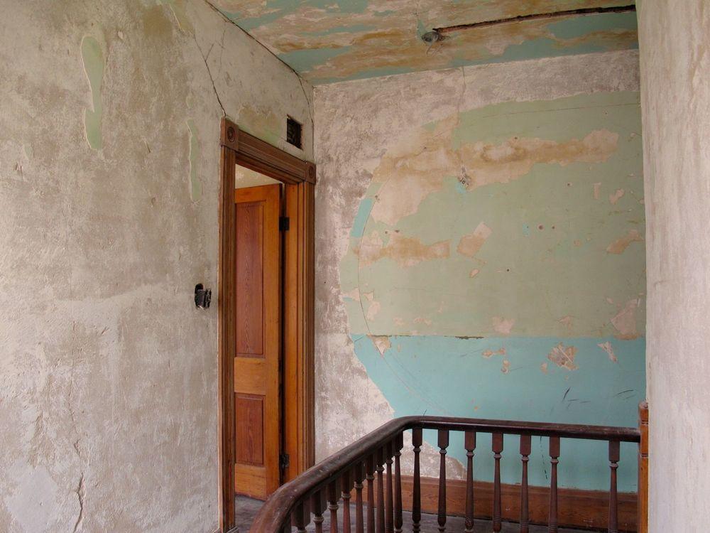 Wall  - 06.jpg