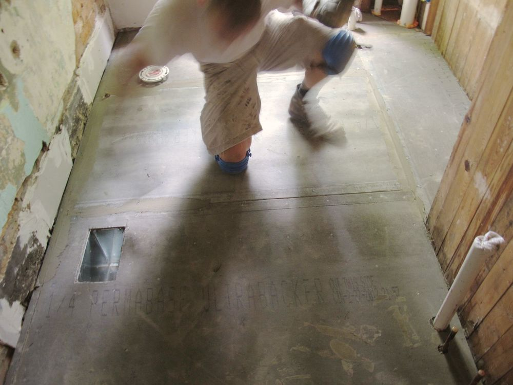 Floor - 06.jpg