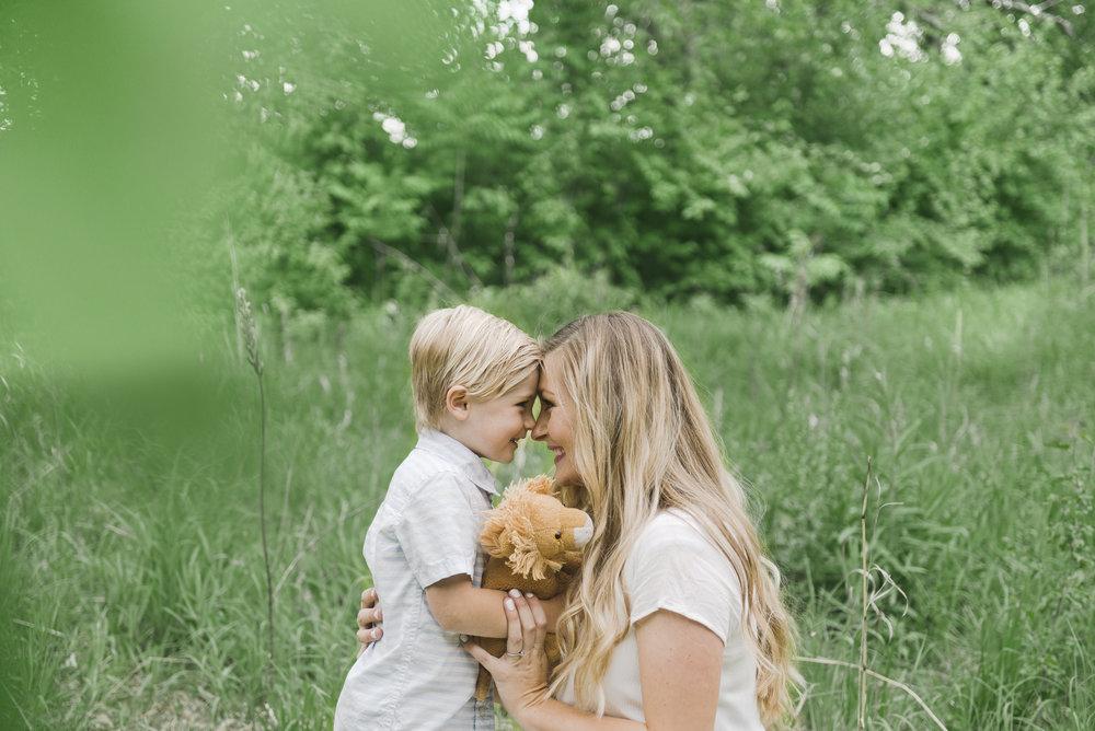 st. louis maternity photographer