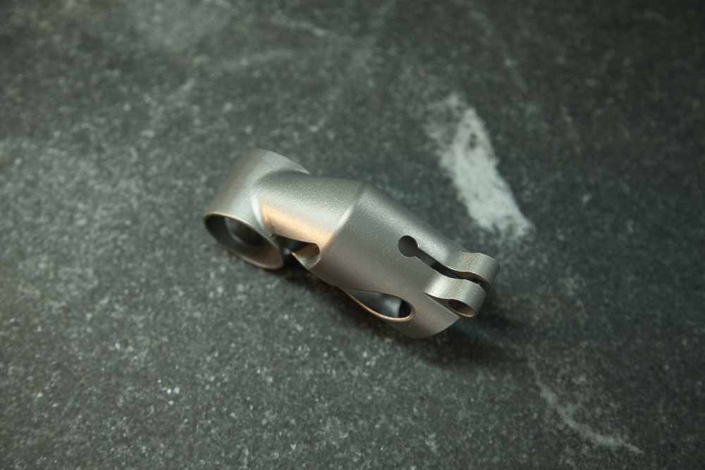 spencer wright 3D printed titanium seatmast topper-9.jpg