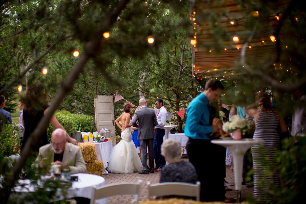 Calgary weddings in the summer can be beautiful, fun, and delicious.  This lovely photo was taken by  www.whitneycowanphotography.com