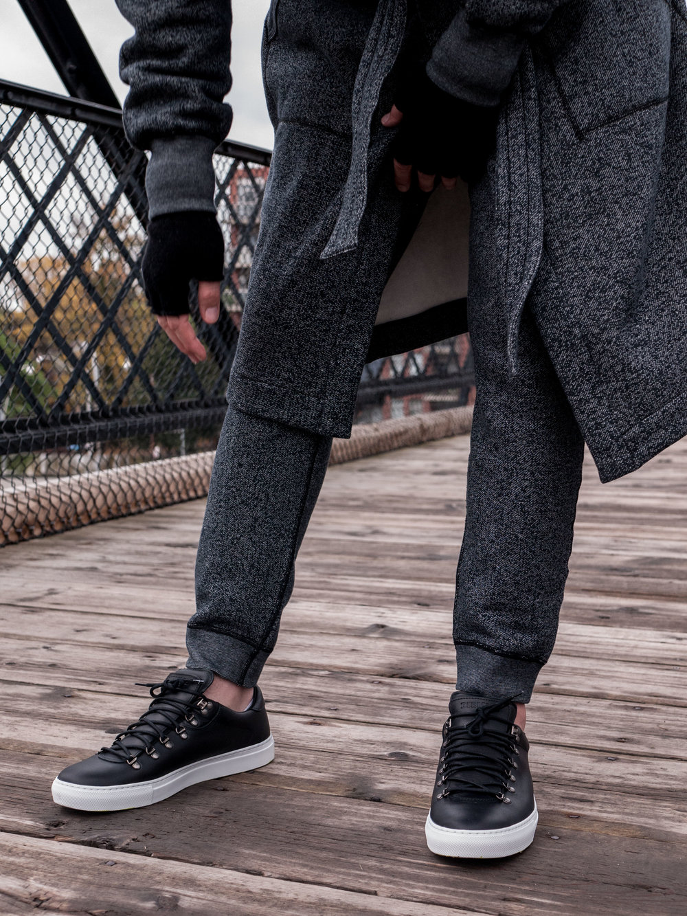 014    Reigning Champ Bathrobe,  Crewneck  & Sweats    Diemme  Sneakers     Outclass Gloves