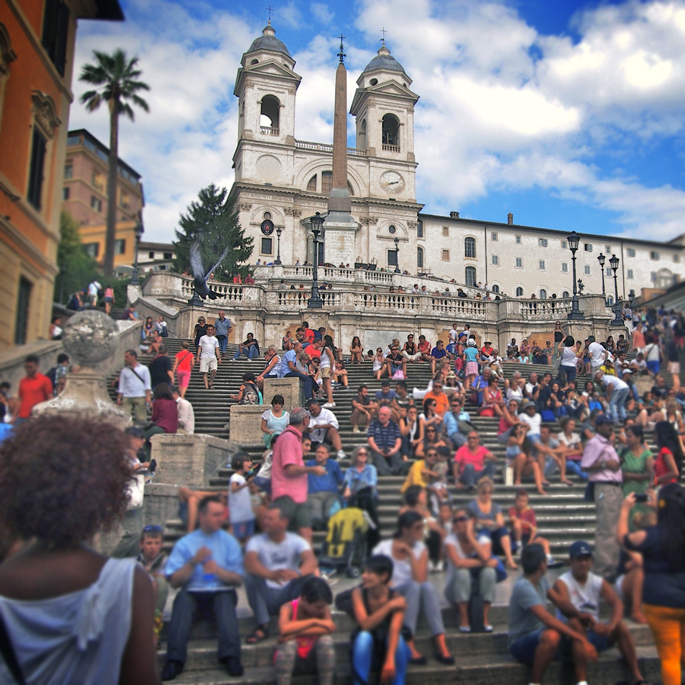 Spanish Steps crowded with people
