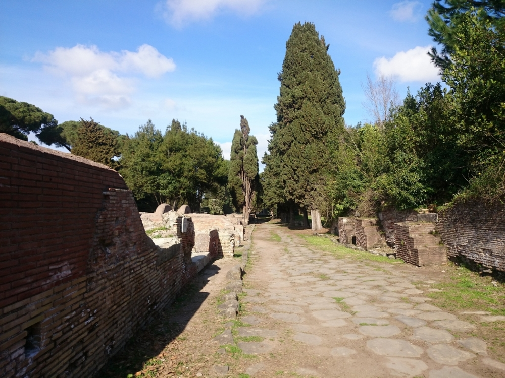 walking through ancient ostia is just amazing