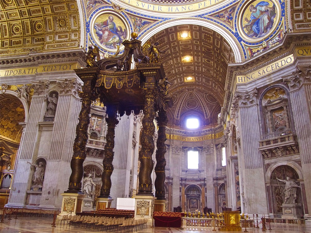 The Baldacchino created by Gian Lorenzo Bernini. This is one of the marvels that we will see during our Vatican Tours