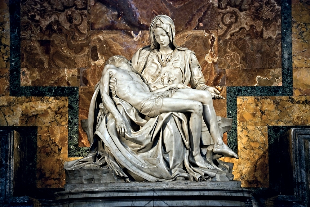 The famous Pietà by Michelangelo
