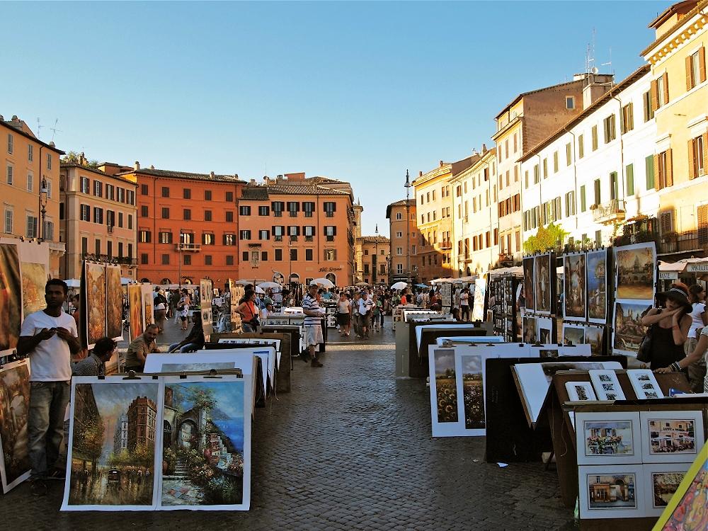 Walking in Piazza Navona in #Rome!