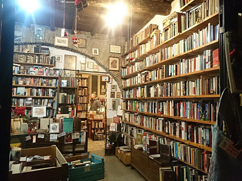 Open Door Bookshop in Rome