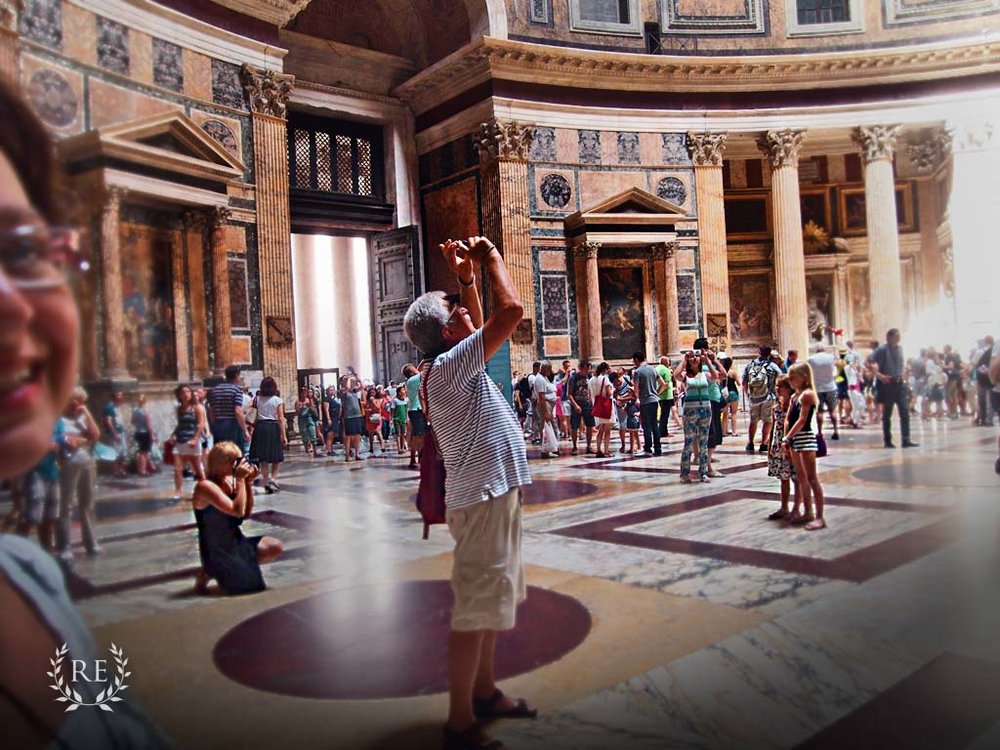 Inside-the-pantheon-in-rome