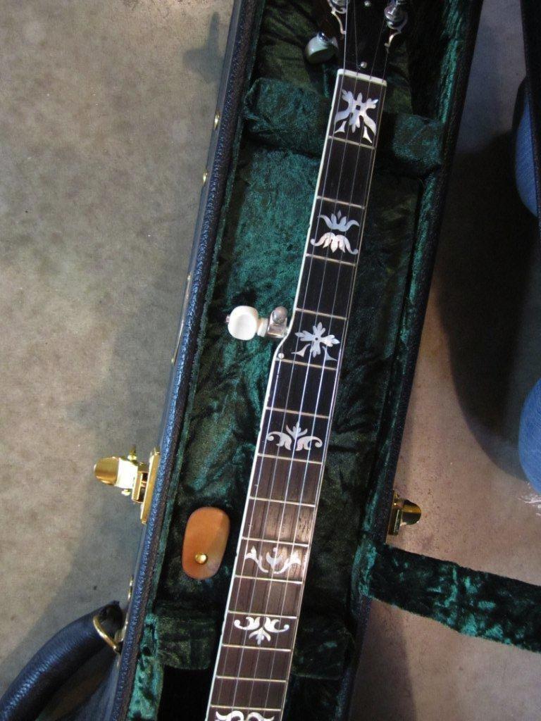 neat mahogany banjo 002.jpg