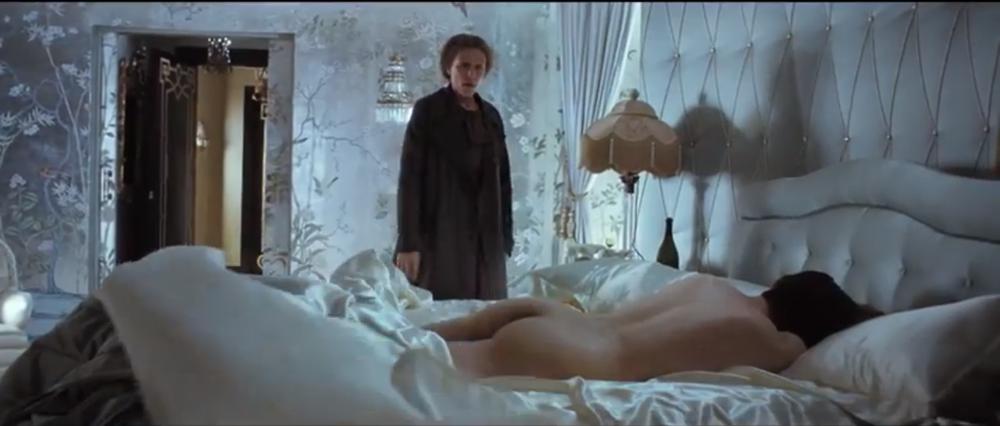 miss_pettigrew_delysia_bedroom.png